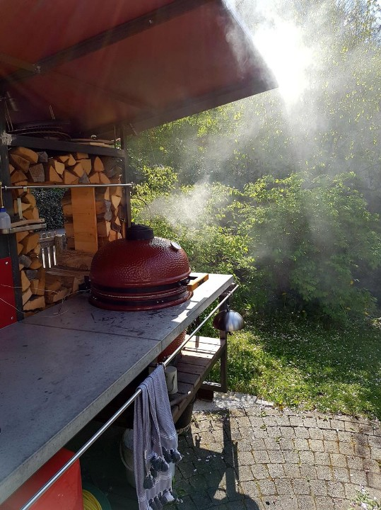 Komado Grill in Outdoorküche